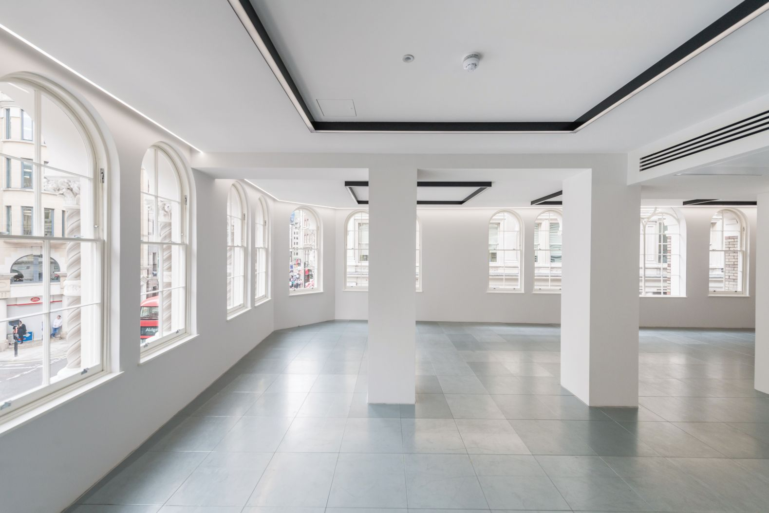 Cheap Commercial Property To Rent In London